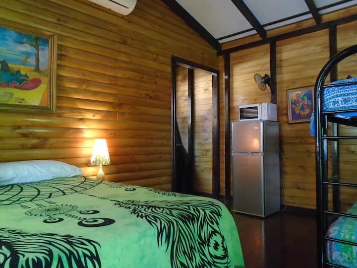 Hotel Cabinas La Playa Avellanas - Deluxe Chalet