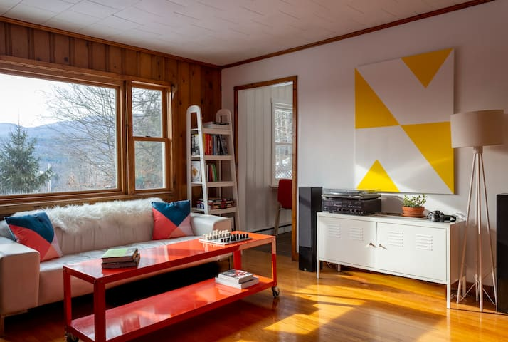 Mid-Century Mountain Cottage