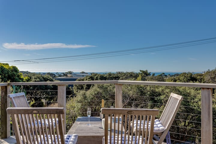 Sorrento, Tuckey Street Retreat with Views