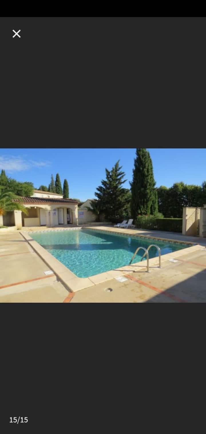Appartement de standing, résidence avec piscine