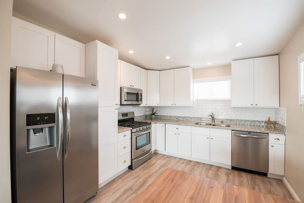 Fully equipped and updated kitchen!
