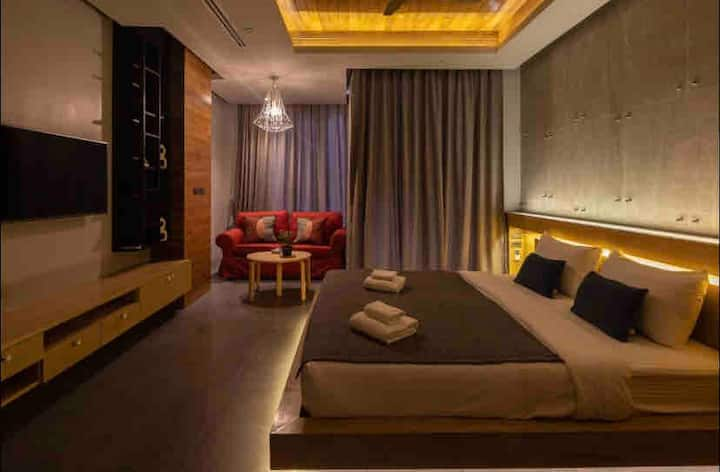 Brand new room loft style 2 mins to Naiharn beach