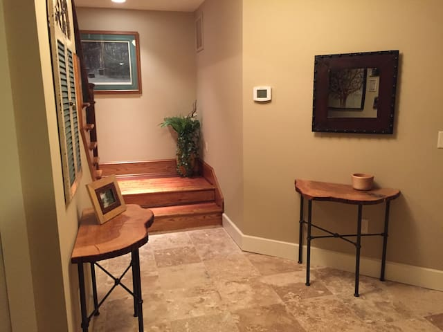 Comfort, Quiet and Great Location - Brevard - House