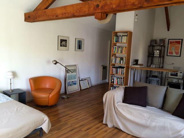 Loft, recently decorated with separate entrance. - L'Étang-la-Ville