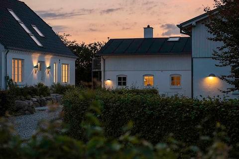 Vennelygaard - attraktiv feriebolig i smuk natur