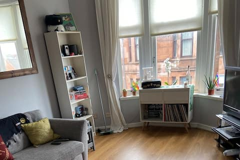 Bright one bedroom flat in Glasgow's Southside