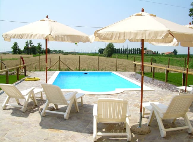 Air-conditioned apartment for 2+1 persons with pool