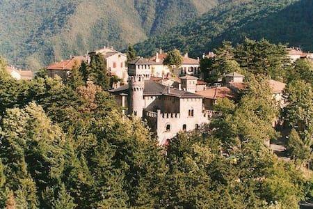 Alloggio al Muro della Torre - Castelluccio - Lägenhet