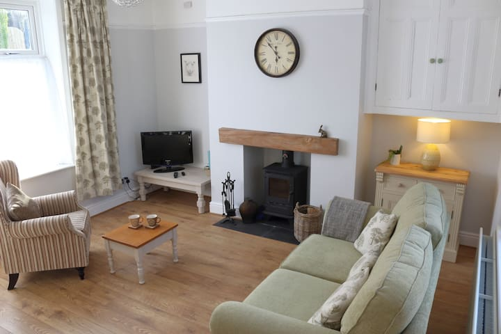 Pickles Cottage, Barnoldswick -  nr Skipton, Dales