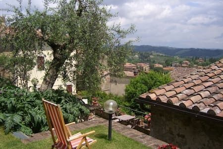 Charming historic  house with garden and terrace - Cetona - Casa