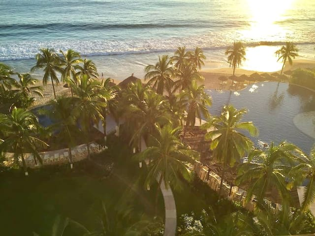 Amazing Beachfront Condo in Amara