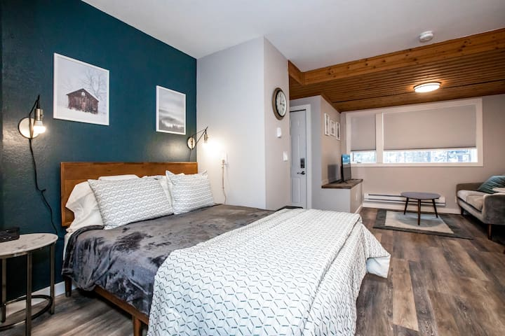 The Nook at Whitefish Mountain - Studio unit just steps from ski slopes