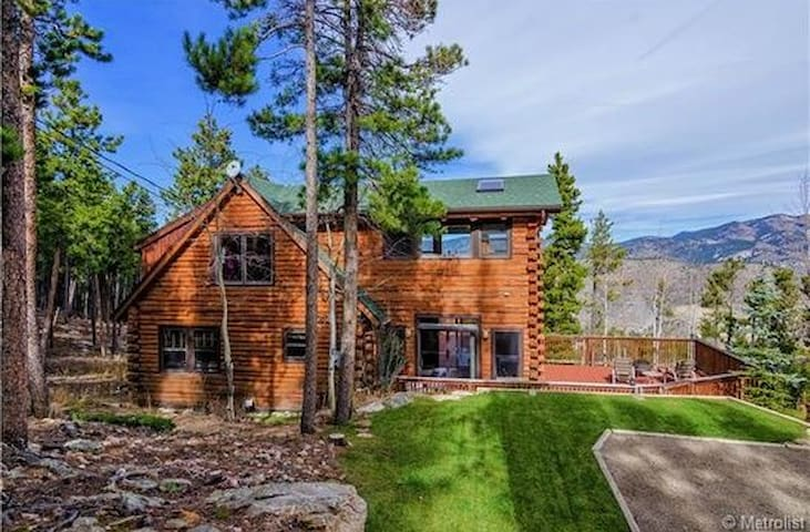 Authentic Log cabin - Evergreen - Bed & Breakfast
