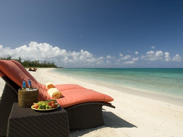 Luxurious Two-bedroom Villa, Oceanfront Resort