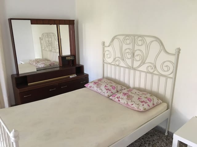 Budget apartment near the sea - Perigiali - Apartemen