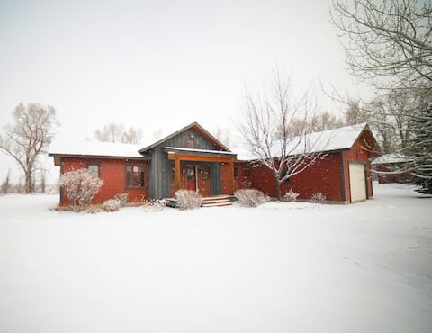 ⭐ Cozy Family Home Near Driggs & Grand Targhee