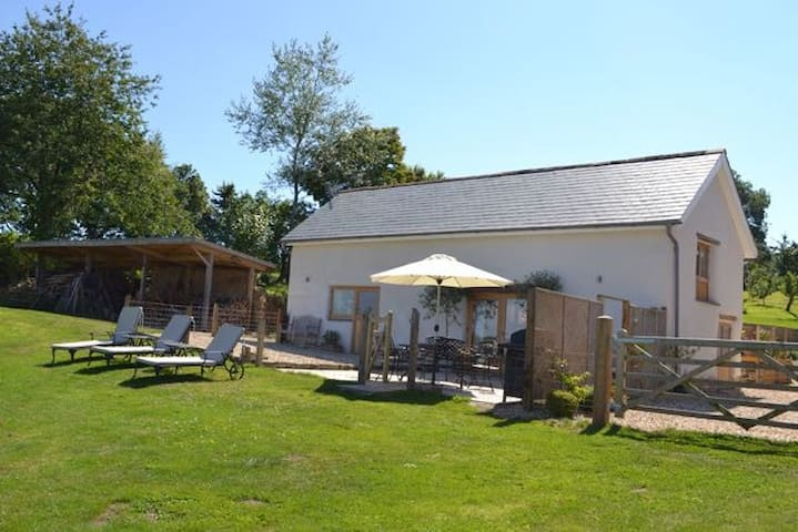 The Cow Shed, Exbourne, Near Okehampton, Devon - Devon - Casa