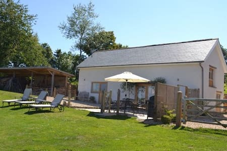 The Cow Shed, Exbourne, Near Okehampton, Devon - Devon - House