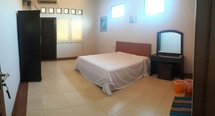 Spacious Bed and Breakfast in East Jakarta