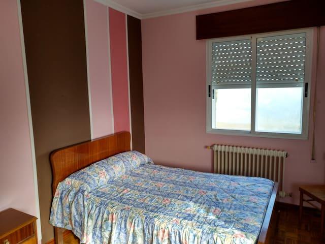 Alquiler Habitación Doble Exterior en Chantada - Chantada - Leilighet