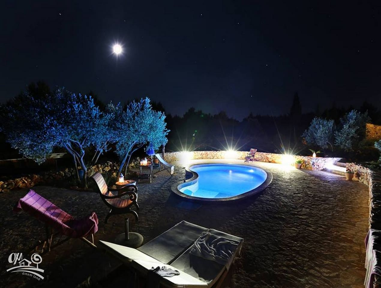 Villa Oxa Dreamland pool at night