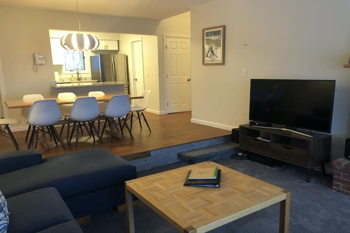 Two-Story Home w/Wood Fireplace, Free WiFi, Washer/Dryer, and Streaming Services