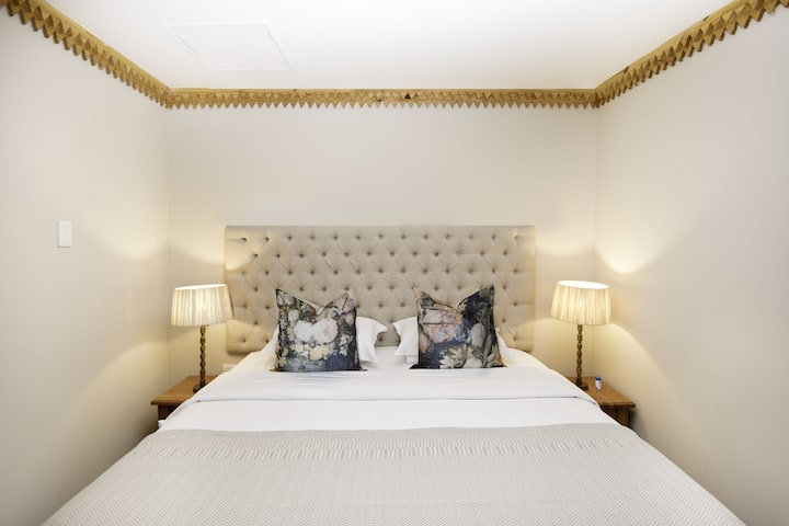Mont d'Or Bohemian House - Luxury Garden Room9