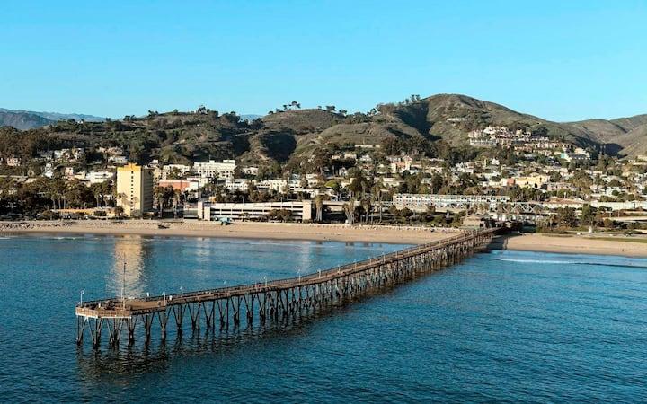 Ventura Downtown Studio Apt - walk to the beach