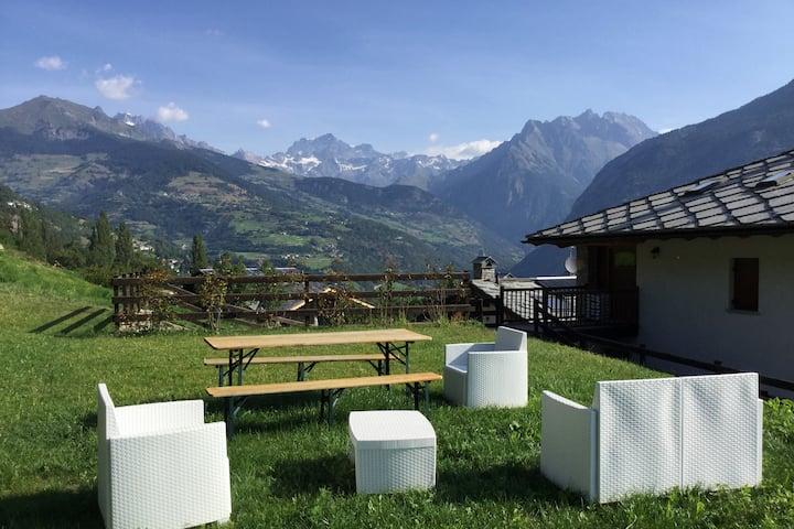 Bilocale con giardino e super vista - Gignod (AO)