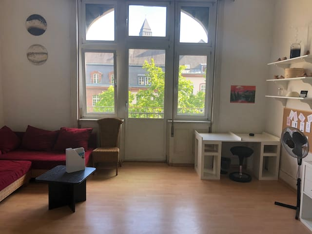 Central Station - 33 m² room in 130 m² apartment