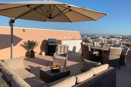 Penthouse-lägenhet  Villamartin , privat jacuzzi