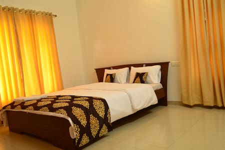 Single room in Baner with Wifi - Pune