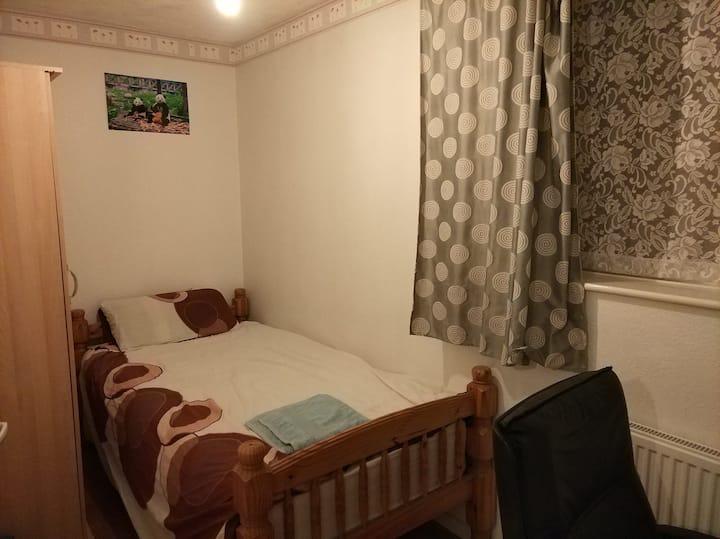 Single room <1km from Birmingham city centre B19