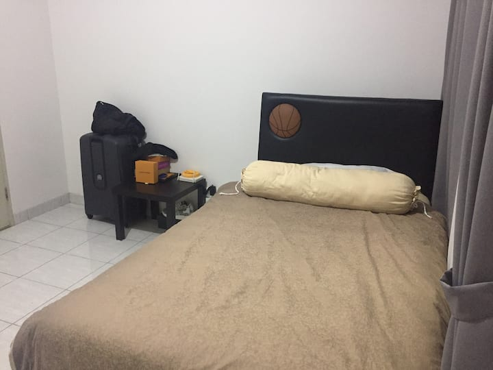 Large & Luxurious Room In BSD City (W/ Extra Bed)