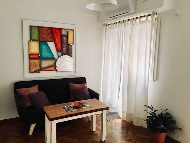 Nice, comfy & sunny apt, great location in Bs As!