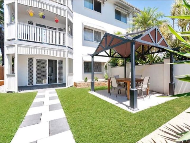 Cosy Inner City-Free WF+AC+Brekkies - cairns - Apartment