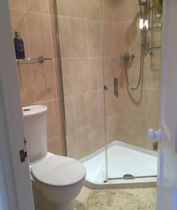 Private room with ensuite - Cheltenham