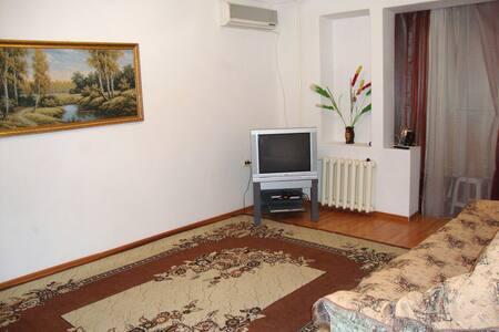 Двухкомнатная квартира в Грозном (Ипподромный) - Groznyy - 公寓