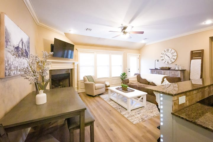 Newly Updated and Furnished Valencia Home