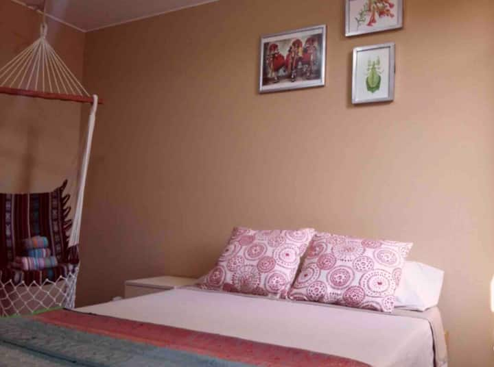 III- Double Bedroom 5min from Lima Airport