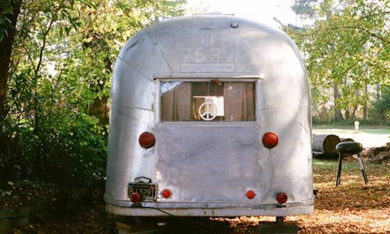 Friends-Style Baby Vintage Trailer