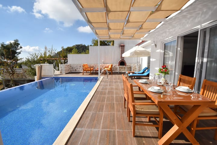 Holiday Villa in İslamlar With Secluded Pool