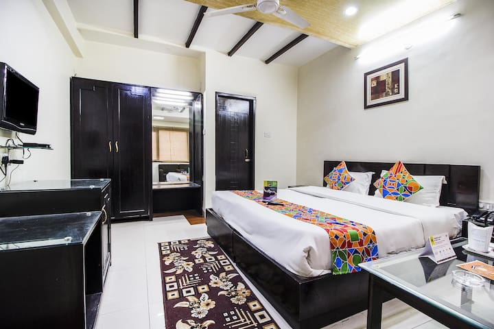 Mayfair stay | Near to Kanpur Railway Station |