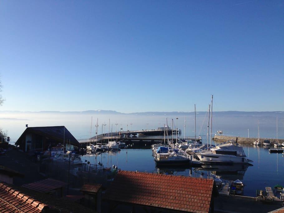 Le port des pêcheurs et au bout le débarcadère