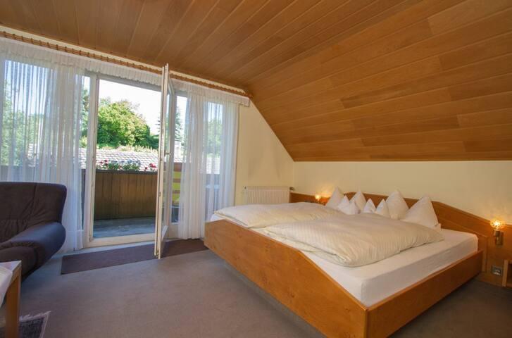 Dorfgasthaus zum Löwen, (Frickingen), Doppelzimmer mit Dusche und WC