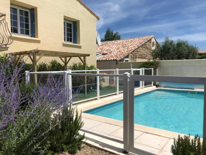 Villa Lavande stone house with pool