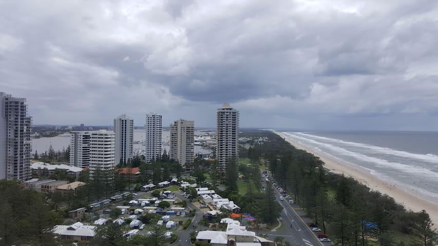 Main Beach QLD 2 Bed Apartment - Outstanding views - Main Beach - Apartment