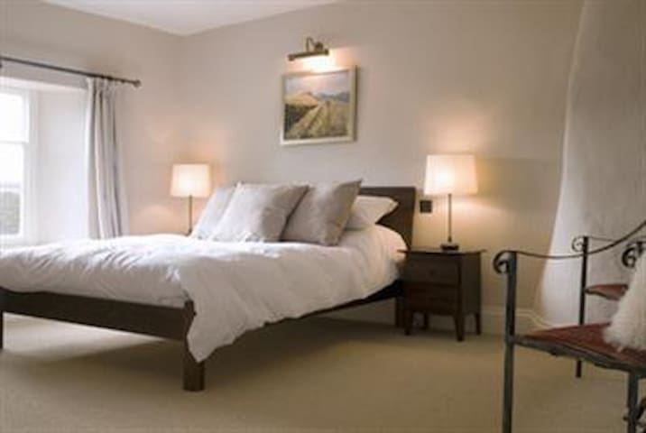 Large King sized double with on-suite. Room 3