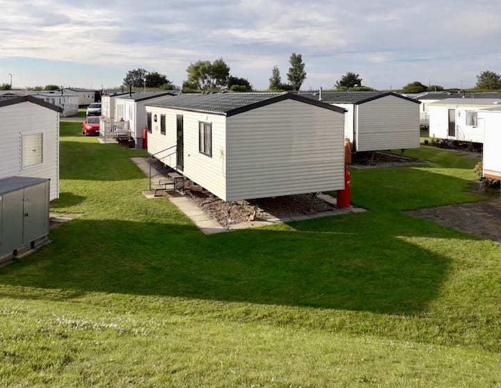 4 berth caravan for hire at Sunkist Holiday park near Skegness ref 42084S