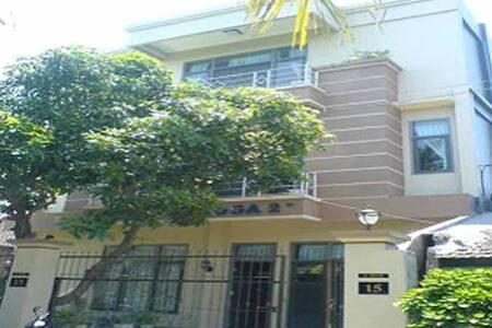 Airlangga City Hotel Syariah Halal - Selaparang - Casa